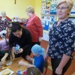 Panie z KGW w Hetmanowie pokazały nam, jak dekorować babeczki